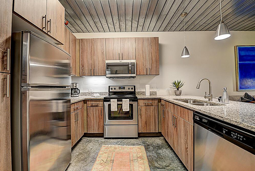 Midtown Houston Apartment Kitchen